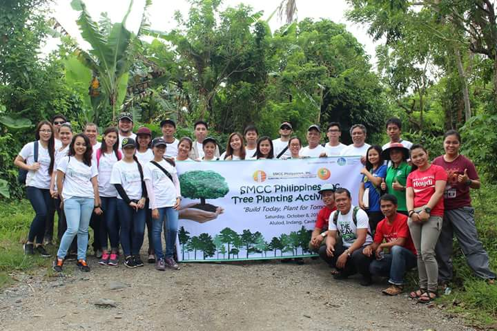 Smcc tree planting activity smcc group picture taking before we start the tree planting activity yelopaper Choice Image